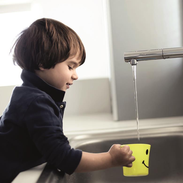 Drinking_water_child_Print (300 dpi)